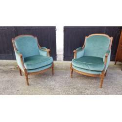 Paire fauteuils style Louis...